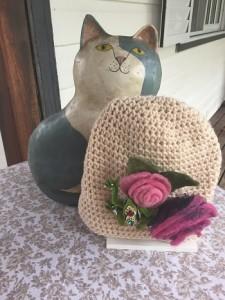 Gorro de crochet para tejer  en el bus