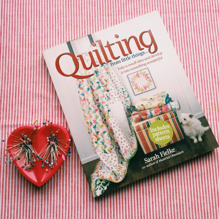 """Quilting from little things"" por Sarah Fielke"