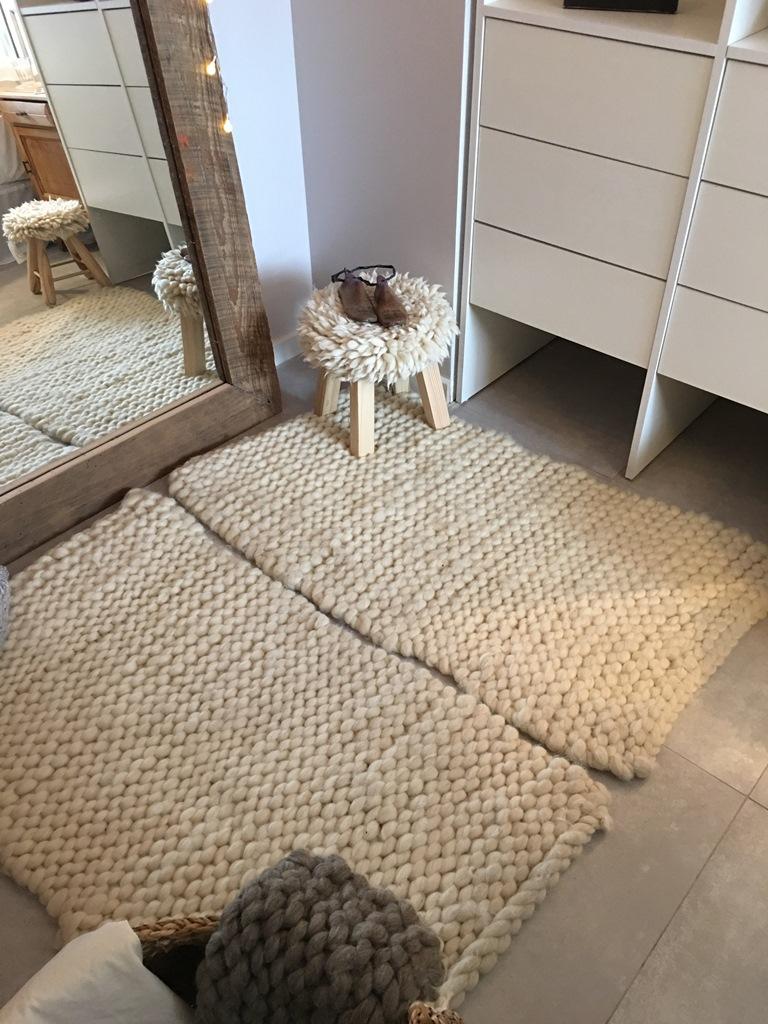 Alfombras de vellón de lana tejidos en dos agujas