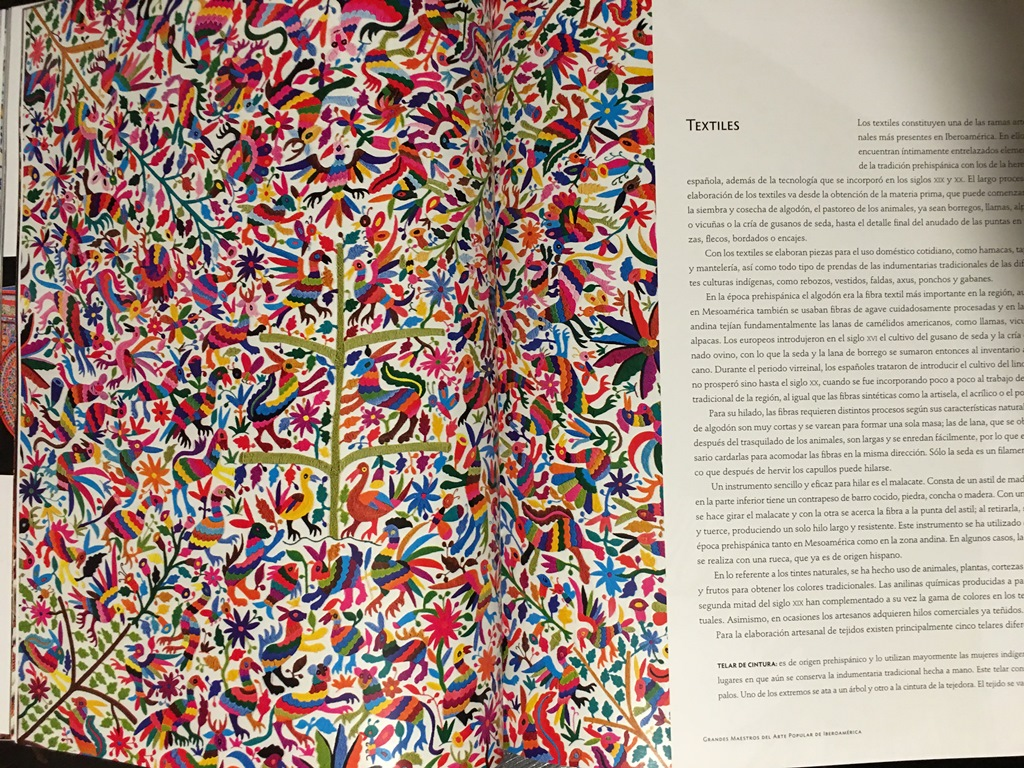 Un catálogo de museo - Bordados de Tenenago, Mexico